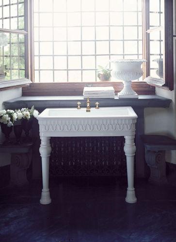 nostalgie waschtische mit stands ule und unterschr nken badelaedchen. Black Bedroom Furniture Sets. Home Design Ideas