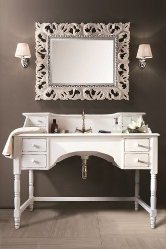 alte waschbecken mit holz unterschrankoder metall badelaedchen. Black Bedroom Furniture Sets. Home Design Ideas